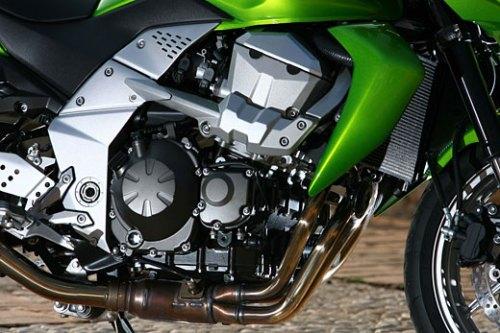 Kawasaki Z750 - motore